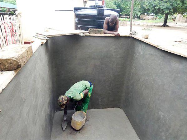 Die Zisterne, die später 6.000 Liter Seewasser beinhaltet.