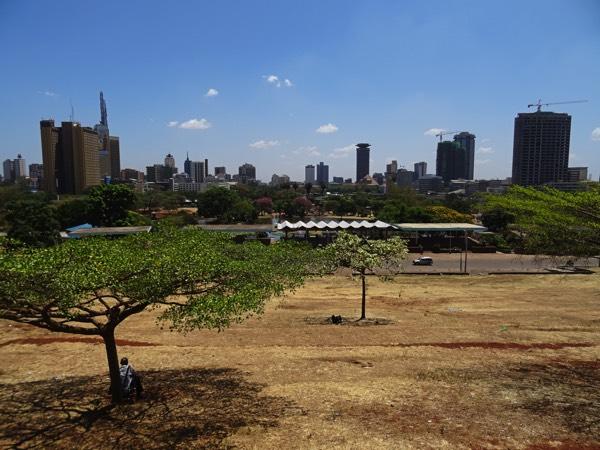 Der Blick auf die malerische Skyline von Nairobi.