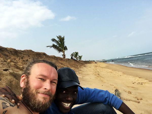 Strand Lome in Togo mit Palmen