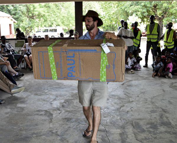 Der Wasserfilter Paul trifft in Togo ein