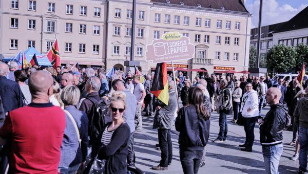 Goldeimer-Sammelaktion in Neubrandenburg