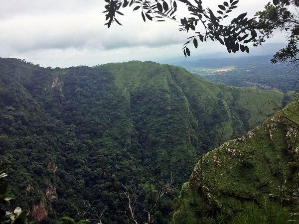 Blick auf bergige Volta-Region in Ghana.