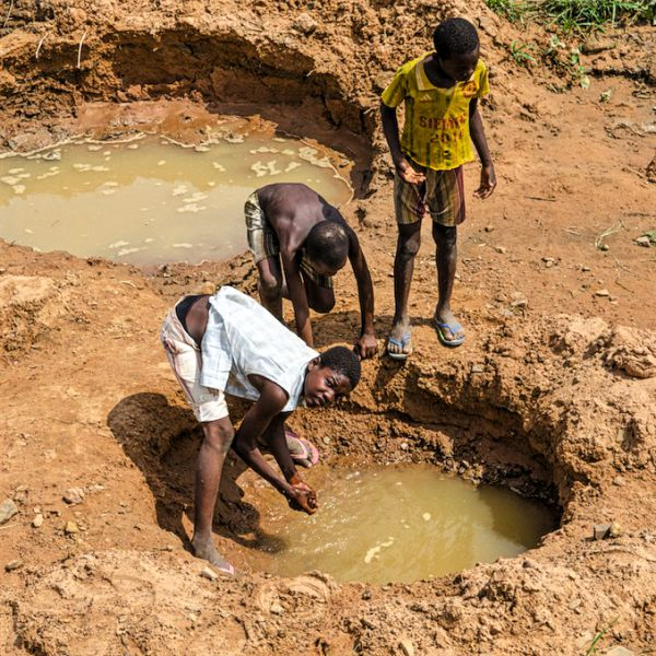 Fehlende Wasserfilter sorgen für Wasserknappheit.